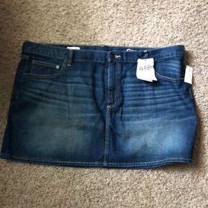 Gap mini skirt NWT